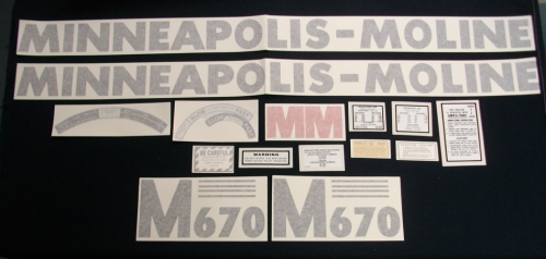Minneapolis Moline M670