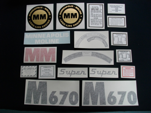 Minneapolis Moline Super M670